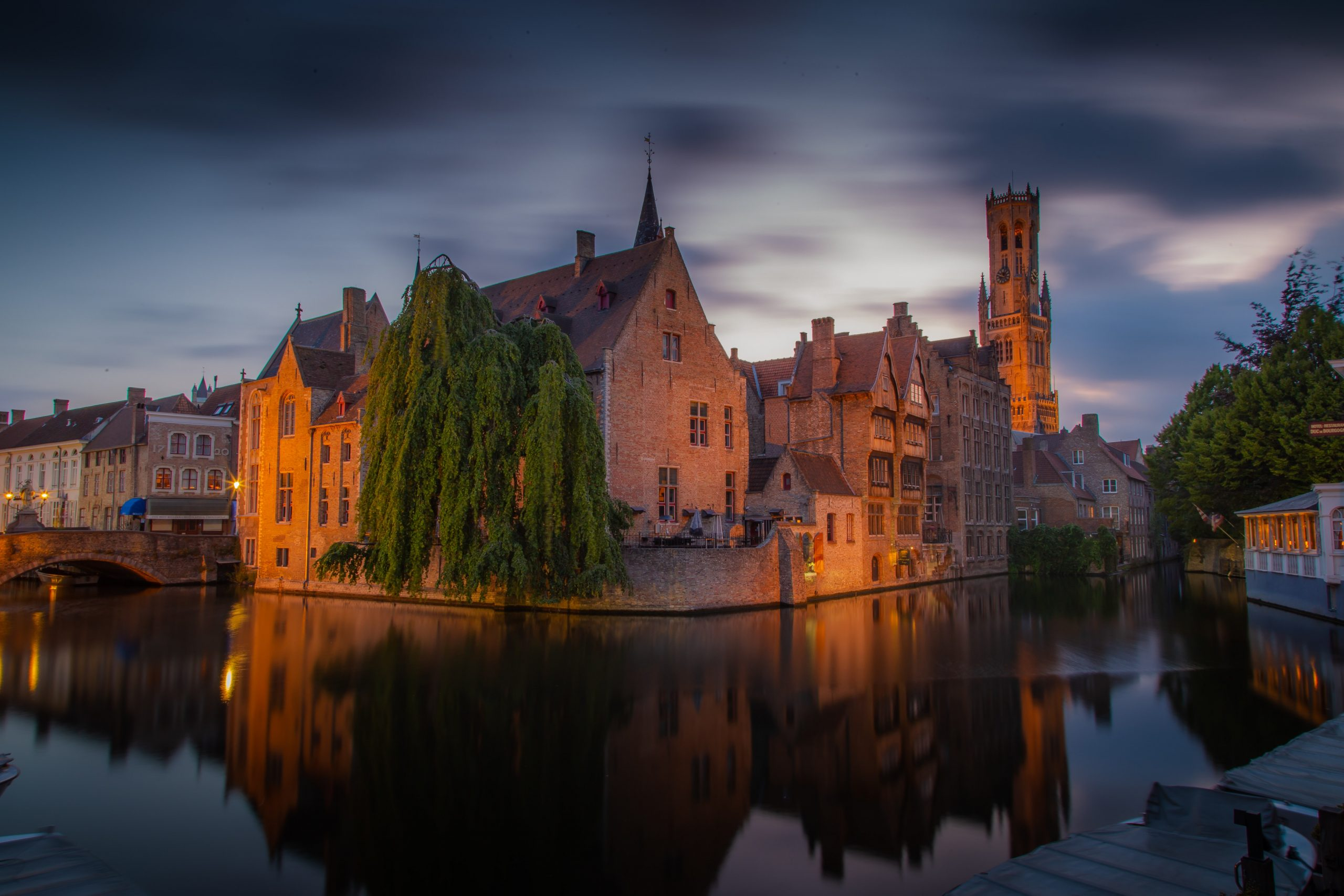 Private Tour Bruges by azamat-esmurziyev